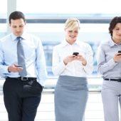 La Tecnología y Las Relaciones: Los Pros y Los Contras
