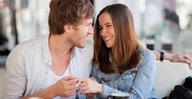 Estás Casado y Coqueteando